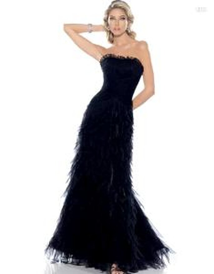 Pronovias Cóctel 2010 - Agua, vestido largo negro, textura peluda, ajustado, strapless