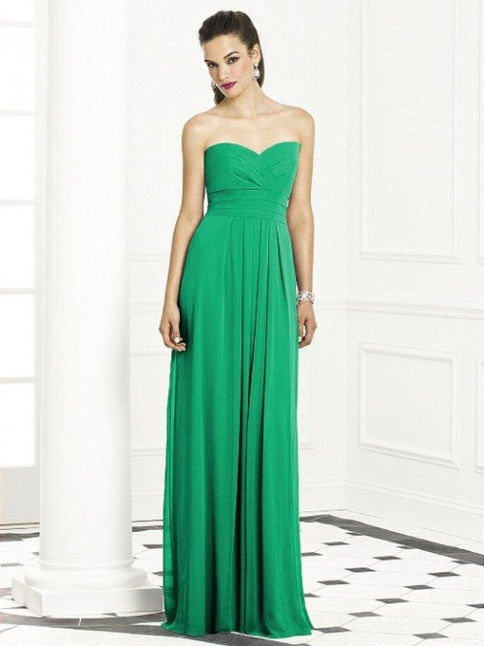 Vestido de fiesta con escote strapless corazón en color verde esmeralda - Foto Dessy