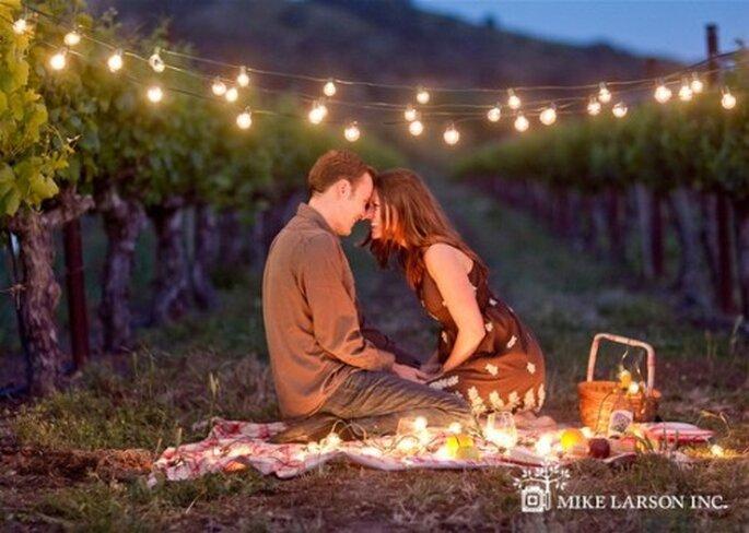 Organiza un picnic romántico por la noche en San Valentín para pedir matrimonio - Foto Mike Larson