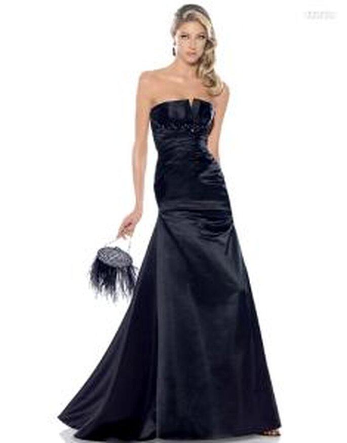 Pronovias Cóctel 2010 - Adelaida, vestido largo ajustado, de escote palabra de honor