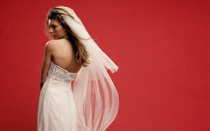 El rojo como complemento para tu boda transmite vitalidad y pasión