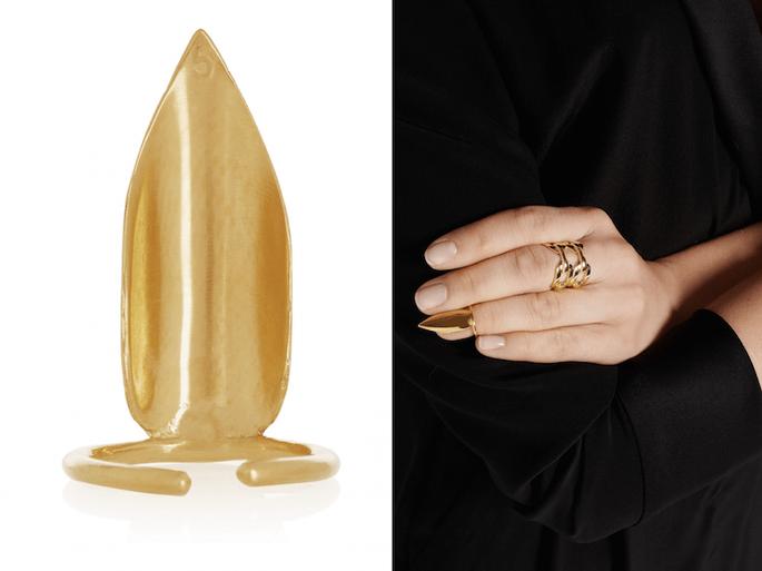 Accesorios en color dorado para una invitada fashionista - Net a Porter