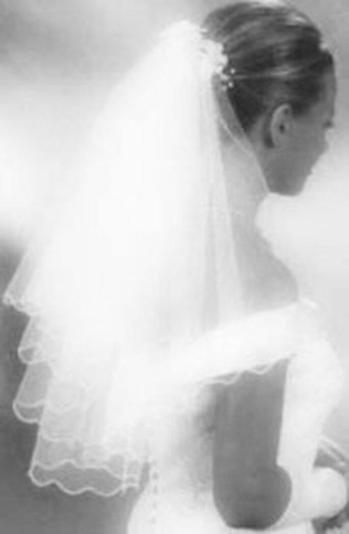 Velo da sposa con capelli raccolti