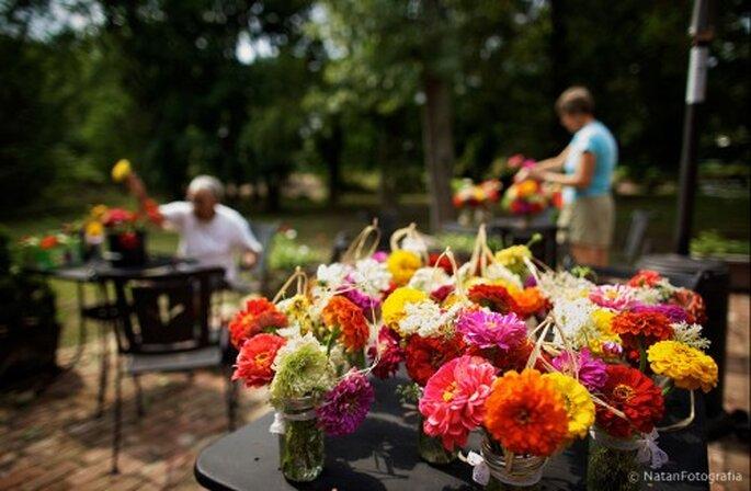 Upcycling para centros de mesa de boda. Imagen Natan Fotografía