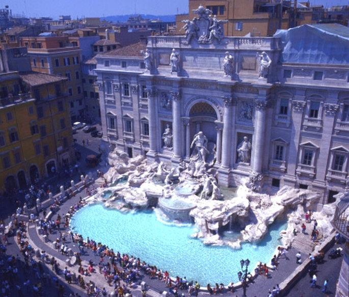 La Fontana de Trevi...arrójale una moneda y pídele que tu matrimonio se al más feliz de todos!