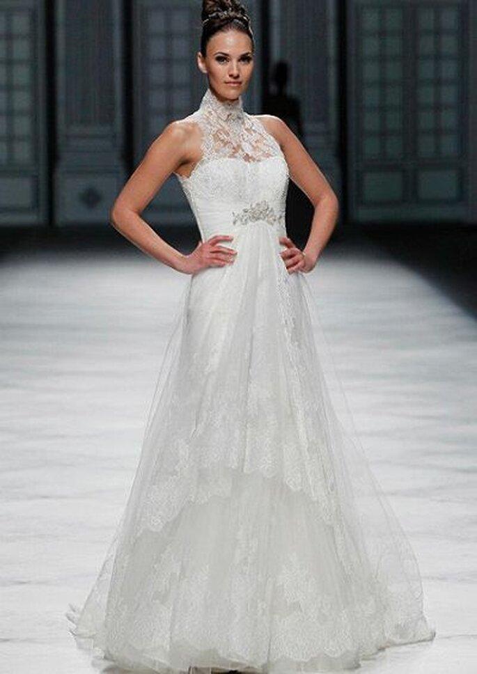 hochgeschlossenes Brautkleid ohne Ärmel La Sposa Brautkleid von La Sposa Foto: La Sposa