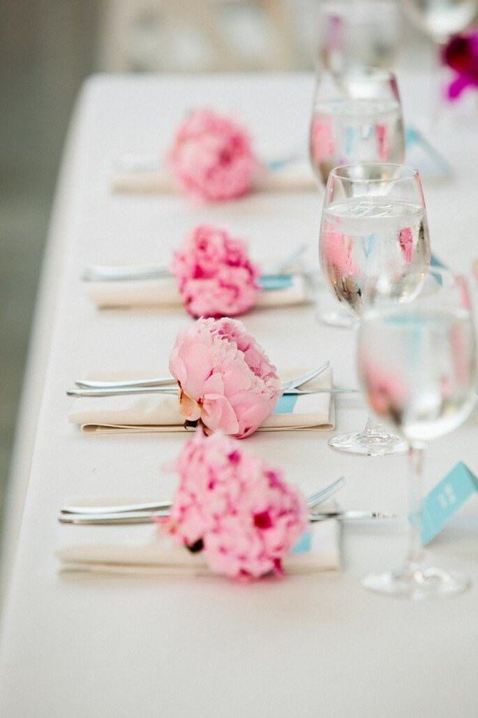 Los mejores acentos de color rosa para decorar tu boda - Foto Anna Guziak