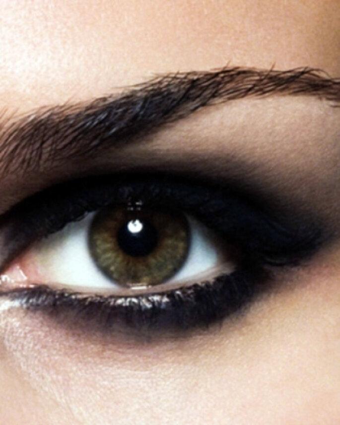 """El efecto """"ojos ahumados"""" está de moda entre las novias"""