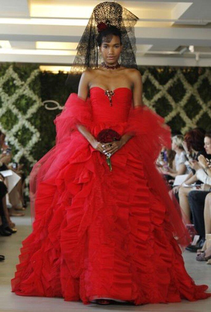 Roter Hochzeitstraum von Oscar de la Renta