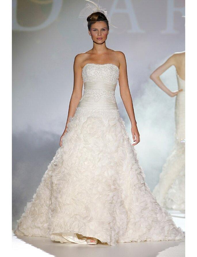 Extravagantes Brautkleid von Novia d'Art aus der Kollektion 2012.