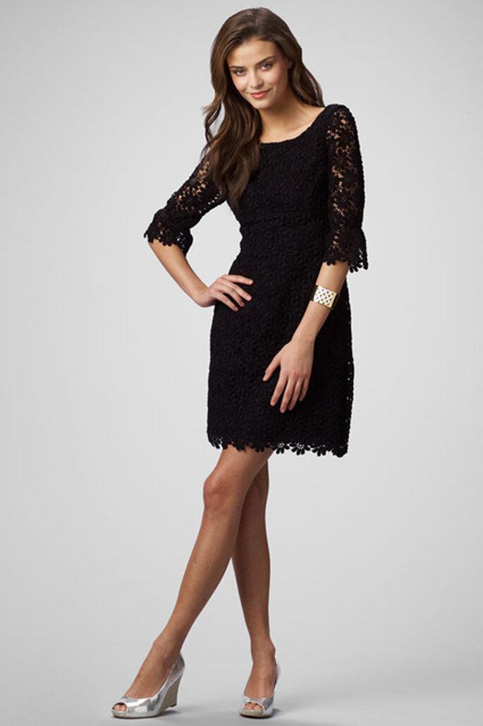 Vestido de encaje negro para dama de honor de White Azalea.