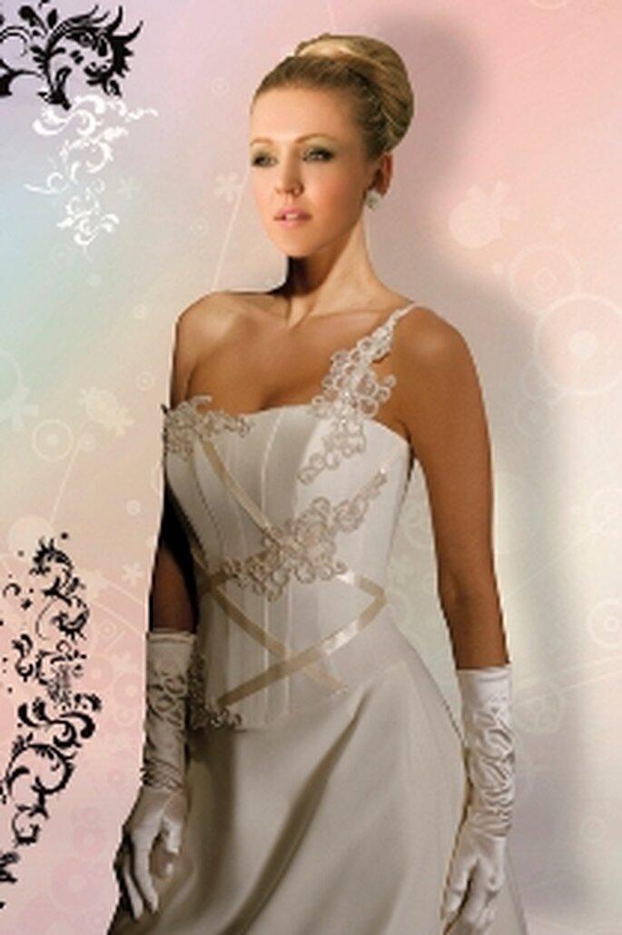 Naceira, ensemble en sergine, corset garni d'appliques paillettées et de rubans