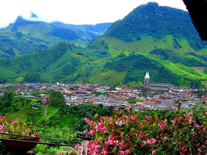 Vista panorámica de Jardín, en Antioquia, uno de los pueblos más bellos del país. Foto: discovercolombia.com