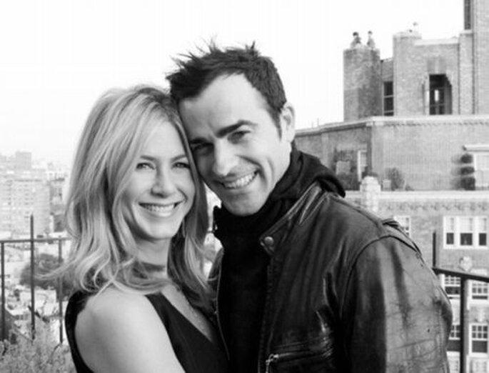 Jennifer Aniston and Justin Theroux via poponthepop.com
