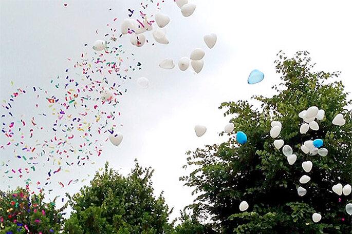 Suelta de globos durante la ceremonia de la boda. Foto: Globos Pim Pam Pum