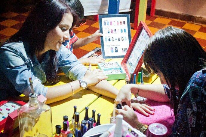 Curso de diseño de uñas de Brick Nails en Medellín. Foto: Brick Nails