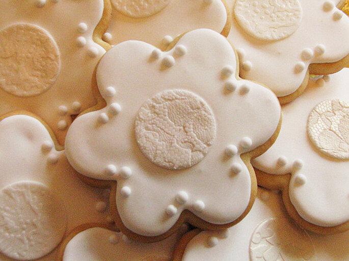 Galletas en forma de flor, ideal para un evento clásico. Foto: Whipped Bakeshop