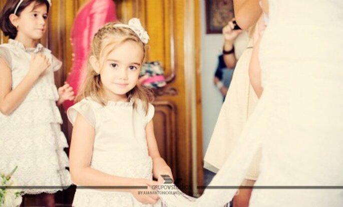 Si los niños son pajecitos en la boda, arregla para que un familiar los recoja.