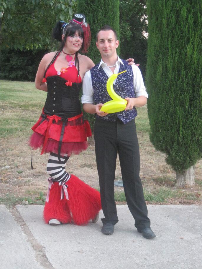 Maquilleuse et magicien font la joie des enfants... Photo 1amour, 2perles