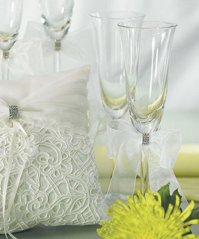 Ringkissen und Sektkelche aus der Bridal Tapestry Kollektion