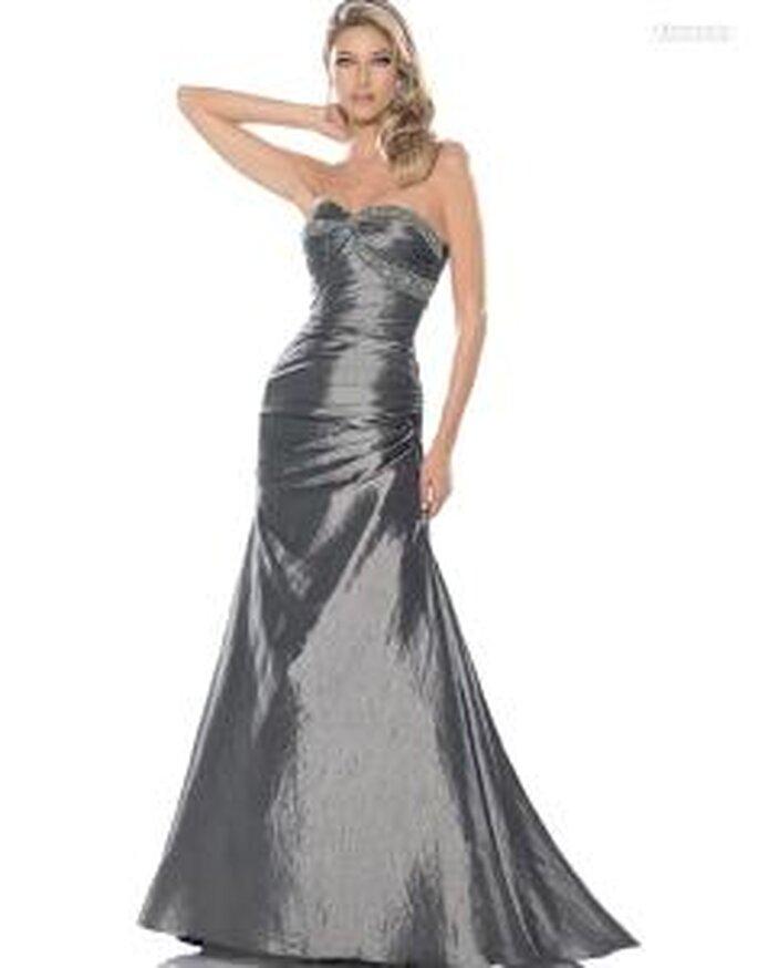 Pronovias Cóctel 2010 - Alexandra, vestido largo en satén, ajustado, de cuerpo drapeado, escote corazón palabra de honor