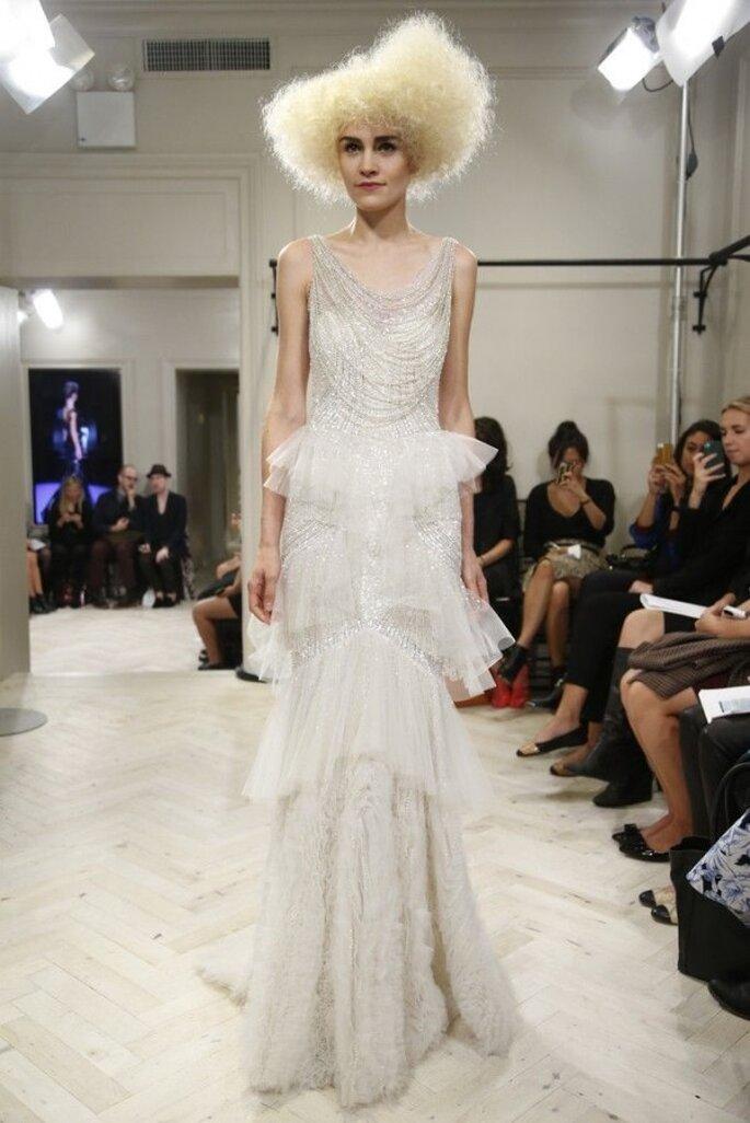 Vestido de novia con un lindo collar retro incorporado - Foto Badgley Mischka
