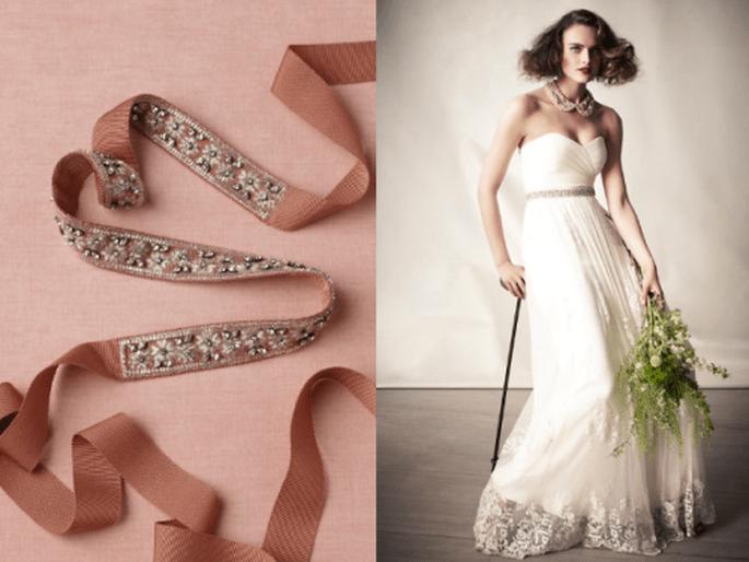 Cinturón de pedrería en color rosa para tu vestido de novia - Foto BHLDN