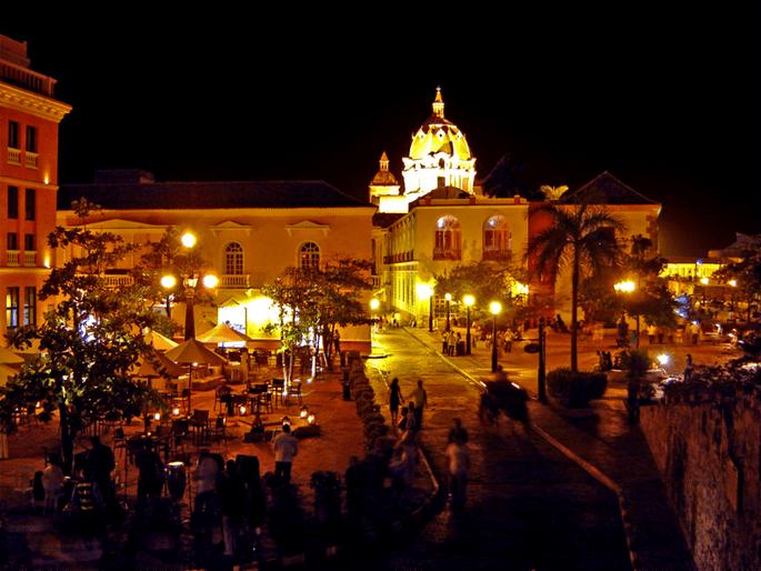 Vista nocturna de Cartagena. Foto: www.commons.wikimedia.org