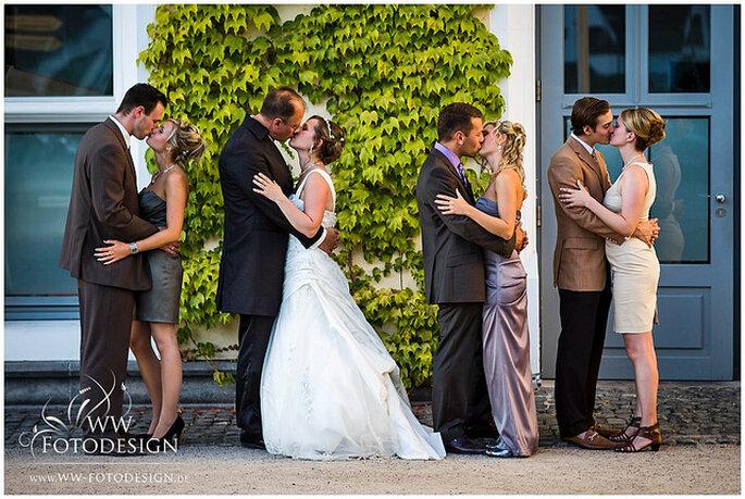 Beso colectivo, una foto de Günter Weber