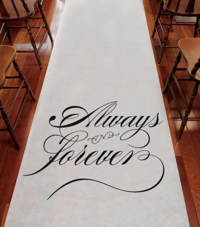 Personaliza tu desfile al altar con estos tapetes - Foto Making Memories and More