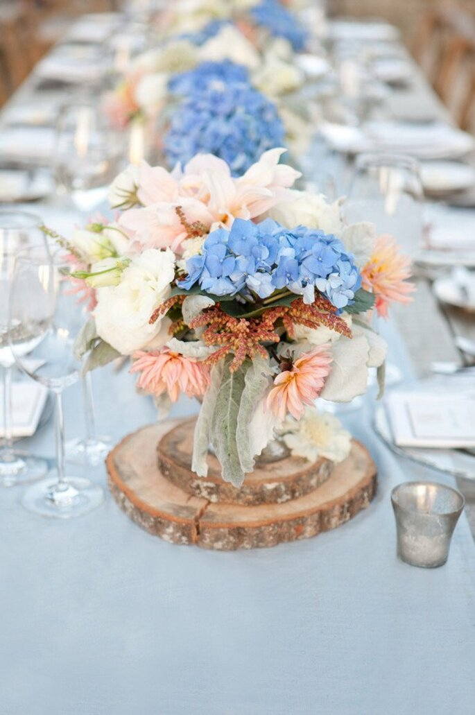 Azul polveado en la mantelería de tu boda - Foto Aaron Delesie Photographer