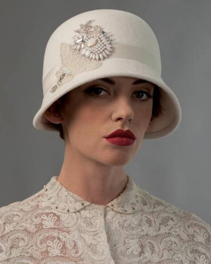 Sombrero para novia de Louise Green Millinery. Foto: www.louisegreen.com