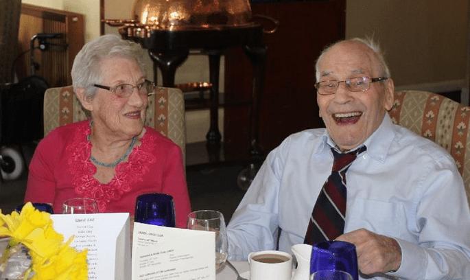 George et Doreen sont sur le point de devenir les mariés les plus âgés du monde. Crédit : George Kirby Facebook