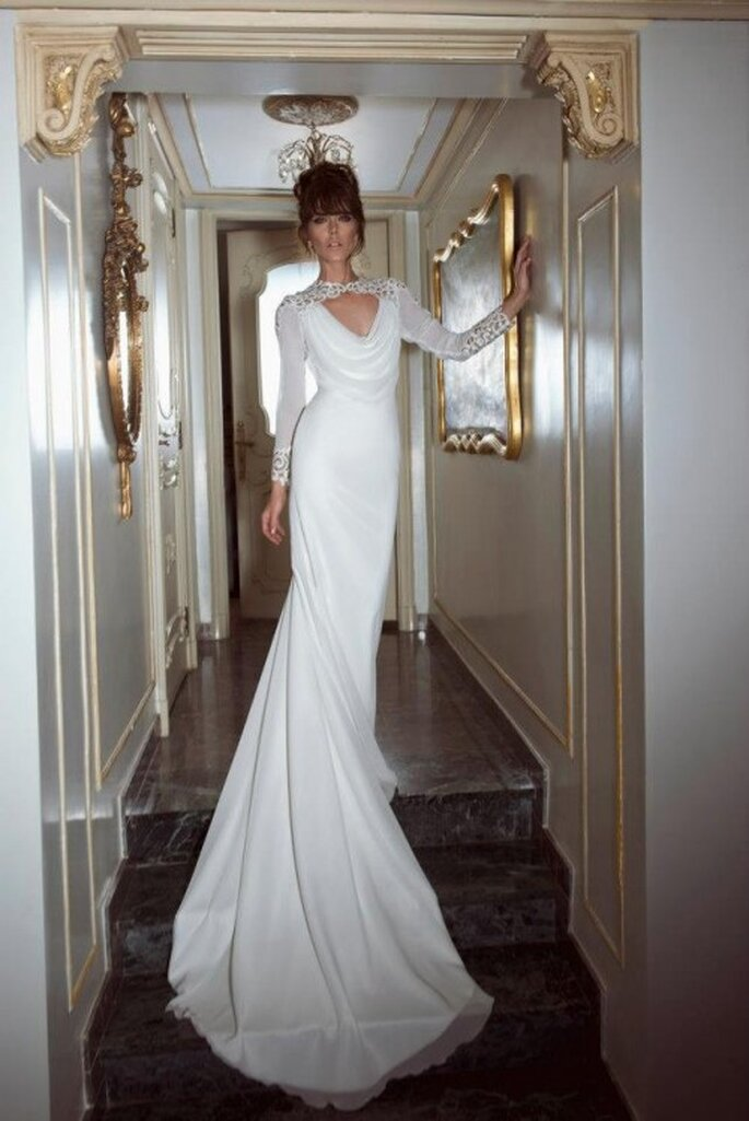 Elegante confección para una novia con estilo glam - Foto Yaki Ravid