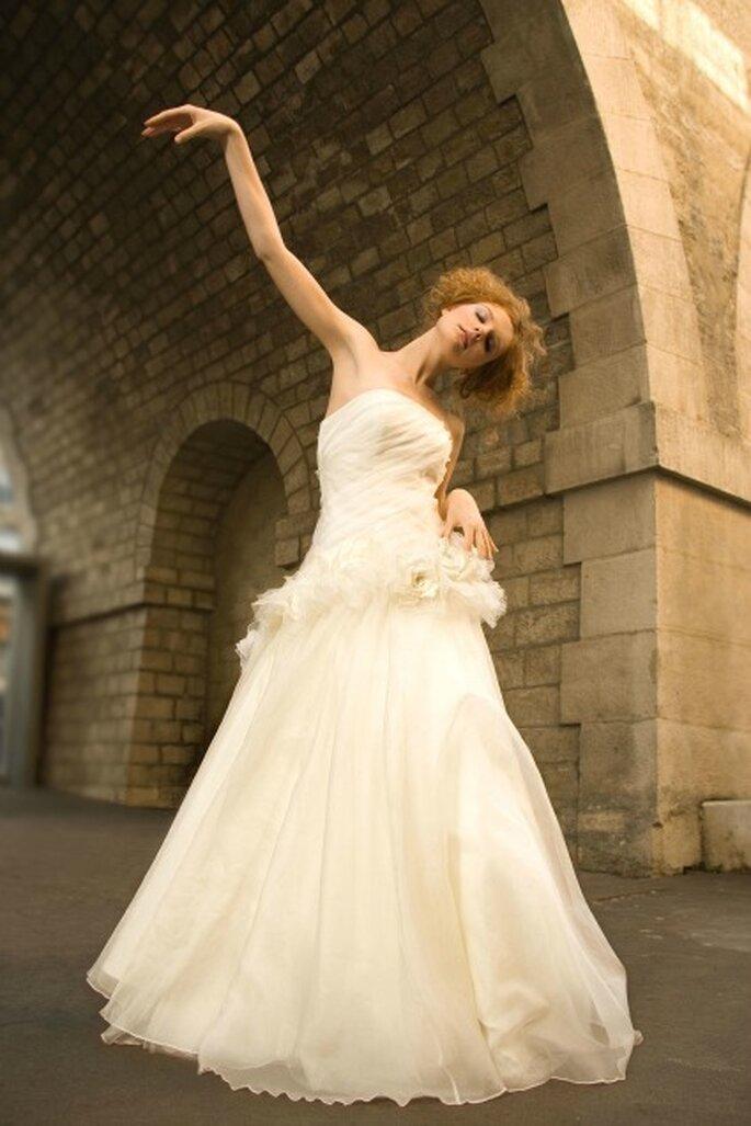 Robe de mariée sur mesure Aurélie Cherell - modèle Pivoine