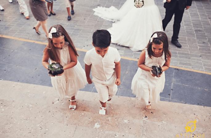 Geben Sie Kindern Aufgaben bei der Hochzeit, so sind sie beschäftigt. Foto: Fran attitudefotografia.com