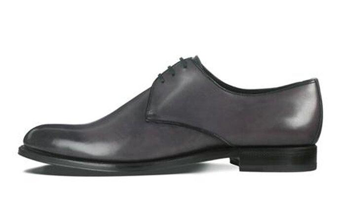 Modello classico in grigio con lacci
