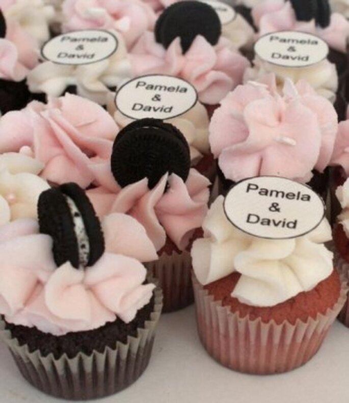 Puedes personalizar los cupcakes para tu boda