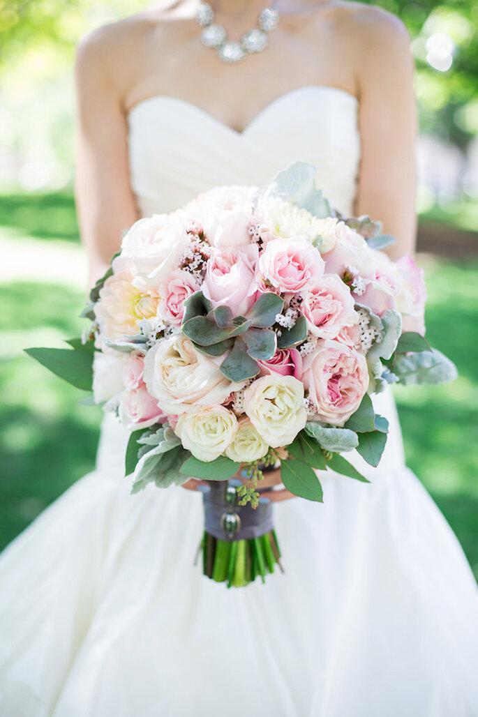 Un ramo de novia pensado especialmente para tu estilo - Foto Rhythm Photography