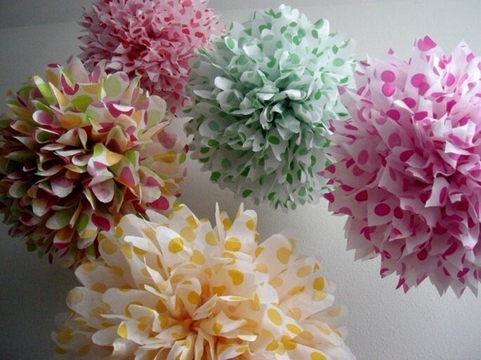 Decoraciones de papel para tu boda - Foto Pom Love