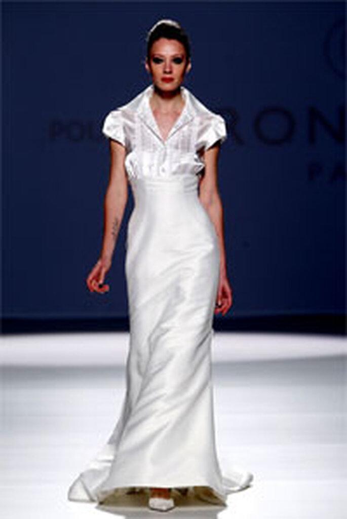 Robe de mariée longue Pronuptia 2011 par Elizabeth Barboza