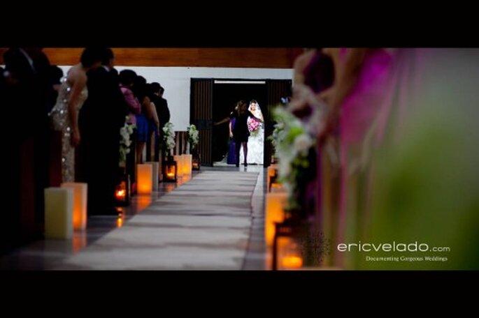 Decoración de boda para el camino al altar. Fotografía Eric Velado