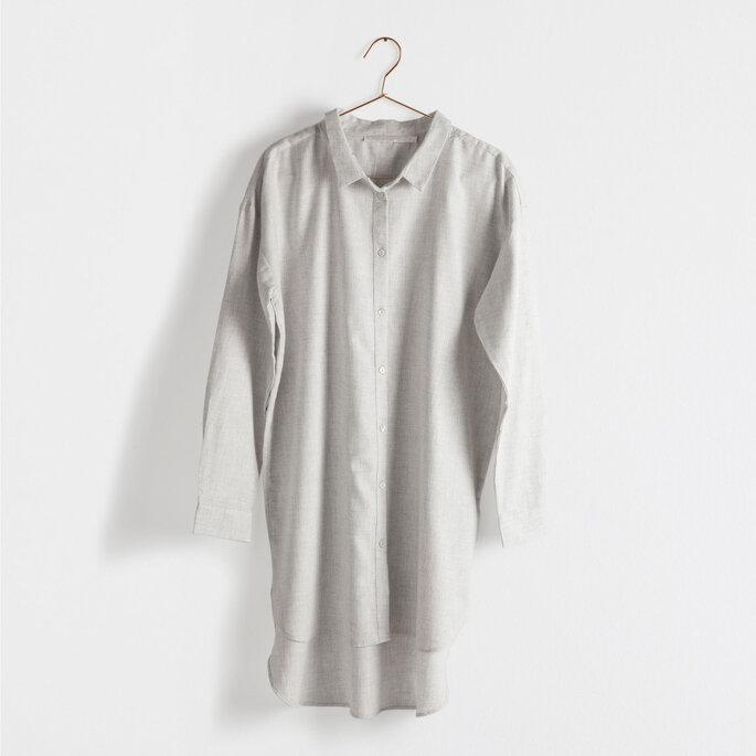 Camisa gris oversize de Zara Home 39.99 Euros