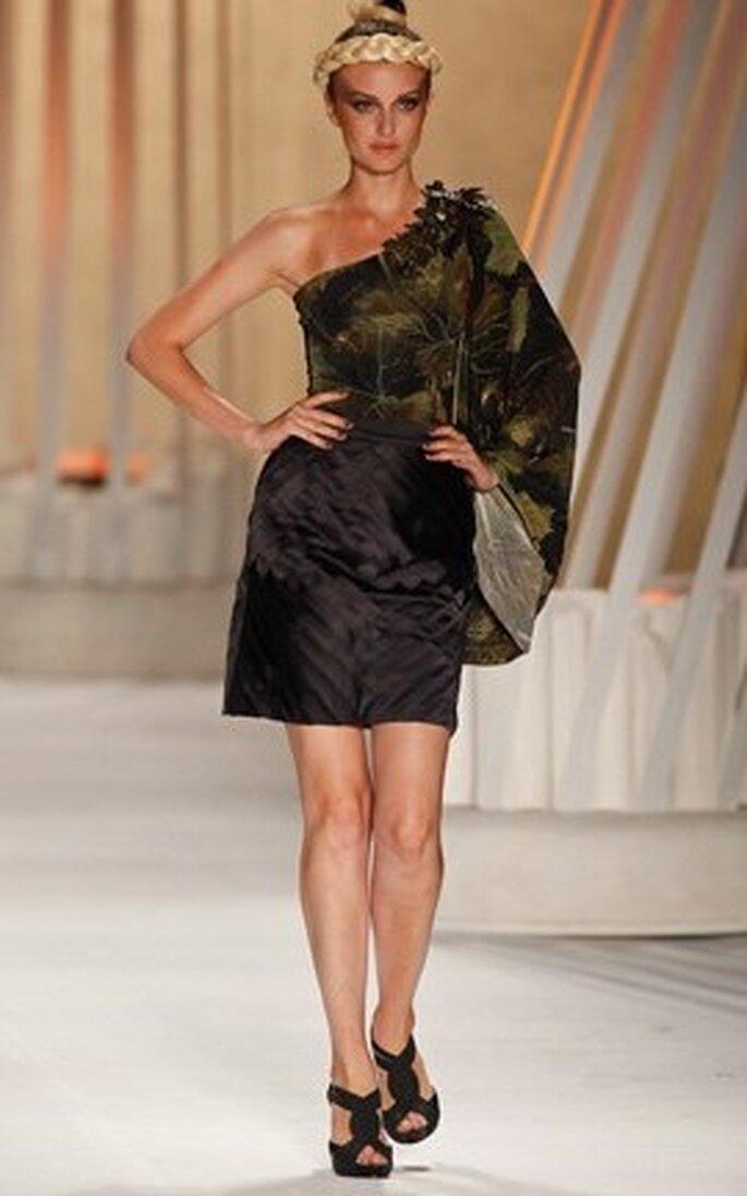 Víctor Dzenk, vestido corto