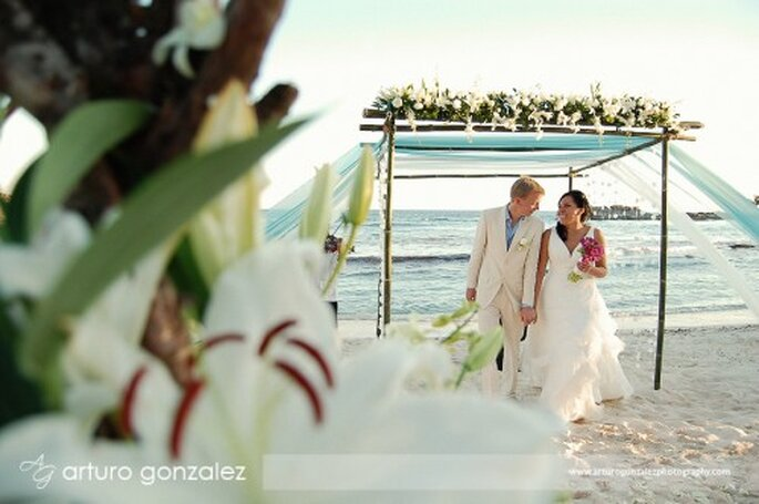 Logra verte genial y con un bronceado perfecto en tu boda - Foto Arturo González