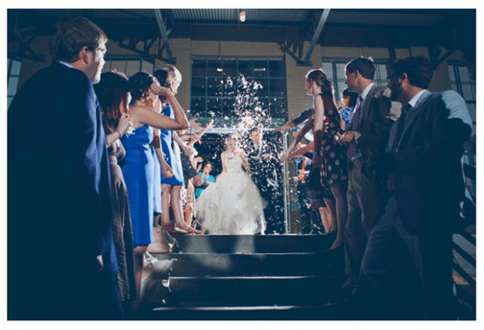Confeti para lanzar a los novios - Foto Our Labor Of Love