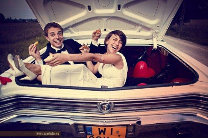 Autos clásicos  para boda. Foto de www.snapstudio.eu/.