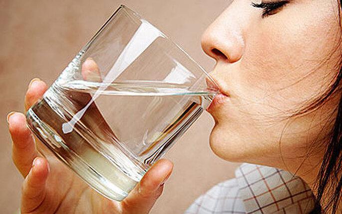 Tomar mucho líquido ayuda a eliminar toxinas
