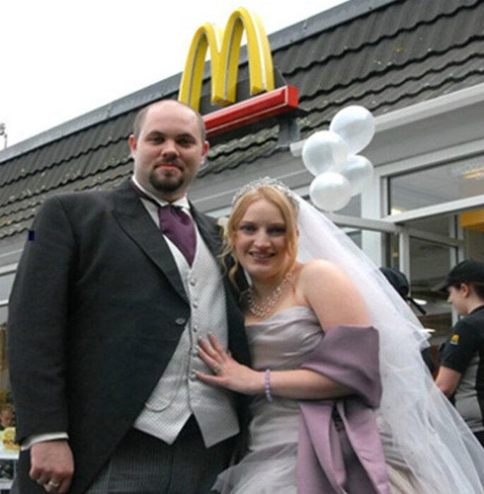 ¿Te atreverías a casarte en un restaurante de comida rápida?. Foto: www.topstoryweekly.com