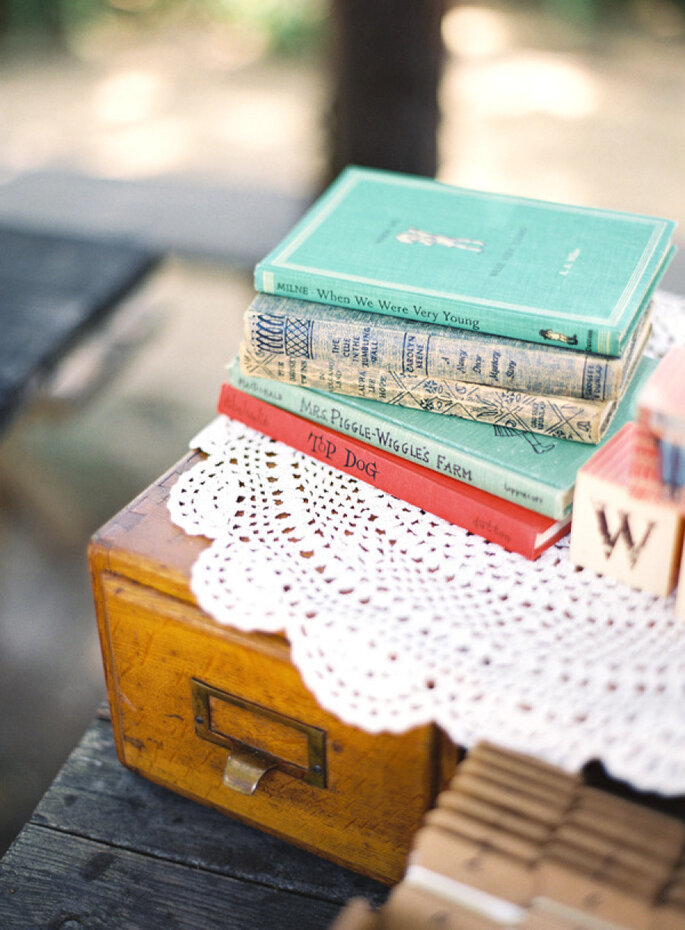Libros para decorar tu boda - Connie Lyu Photography